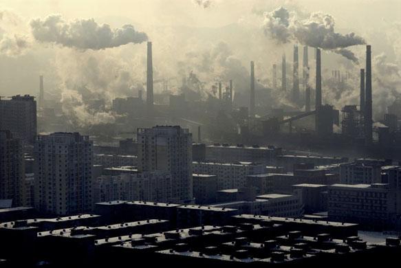 中国の工場 福島第一原子力発電所の周辺は明らかにここより環境がいいです。 イオンや... 中国産