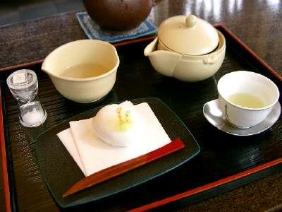 紅葉庭園8 お茶屋さんで日本平というお茶をいただく