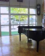 20061020_中学校玄関の中ホール.jpg