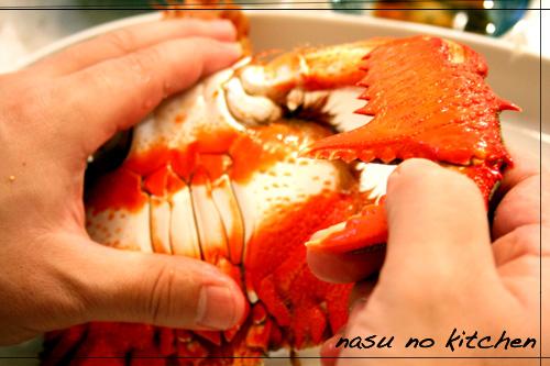 ☆かずくん、蟹さばくup.jpg