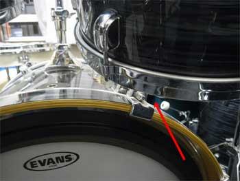 右のタムとバスドラムの感覚