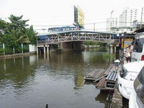 サムローン運河