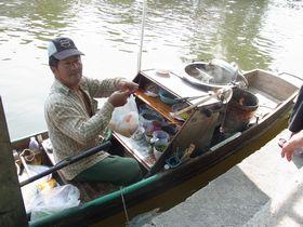舟のクイッティアオ売り