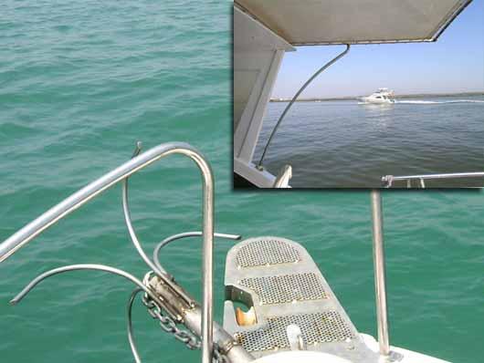 錨は海底の何かに絡まった