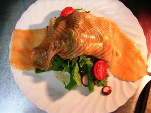 saumon fume avec salade