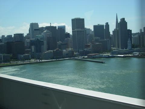 ベイブリッジから見たサンフランシスコ市街
