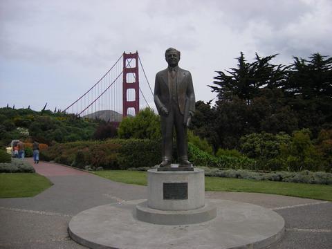金門橋を建てた人