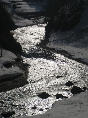 道中の風景  只見川