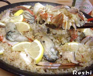 牡蠣とカニのパエリア