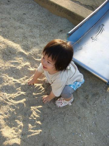砂場も楽しいよ(^^)