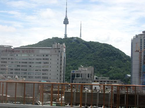 ホテルの窓から見える景色