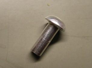アルミリベット3×8ミリ1本