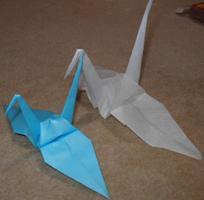 普通の折鶴とティッシュ折鶴