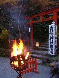 貴船神社参道の篝火