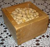 枡に入った豆