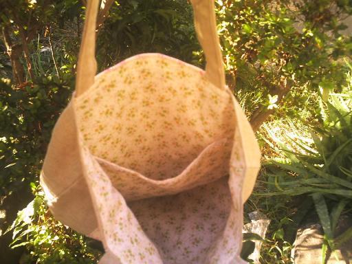 りんご柄リネンのバッグ内側