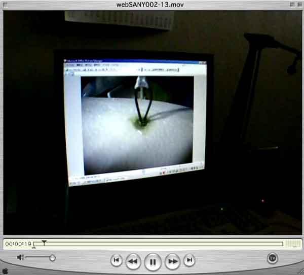 webSANY002-13.mov2.jpg/使用事例、動画「削れるエポキシ樹脂」--白パテ--として、完成の領域。発泡スチロールは、無溶剤エポキシ樹脂ですので、溶かさない。溶けません。/新商品開発プロジェクト/群馬大学 社会情報学部、CIT 中央工科デザイン専門学校、ブレニー技研 産学学連携プロジェクト SGG2009 ぐんまブランド創出プロジェクト