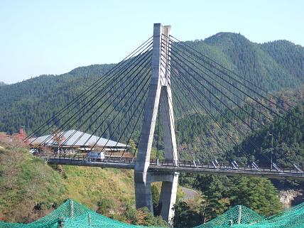唄けんか橋.jpg