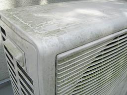 エコキュート室外機の汚れ