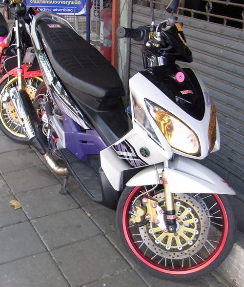 バンコクでみかけたバイク