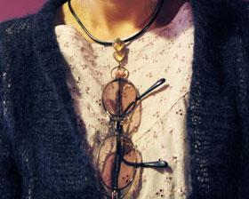 眼鏡ホルダー