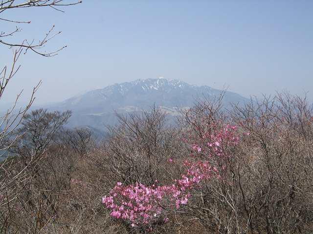 月山より赤薙・女峰を望む?