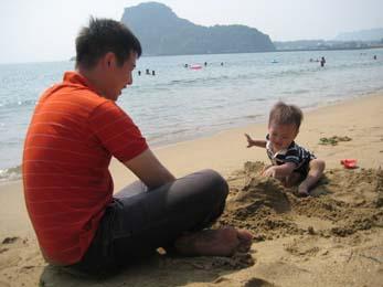 2010年砂浜にて