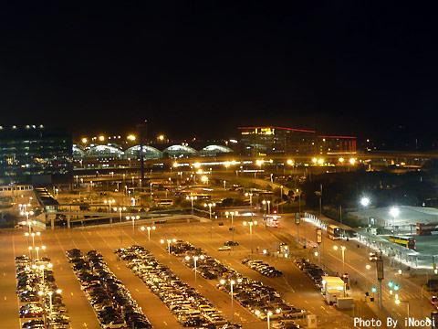 NZL241-夜の香港空港.jpg