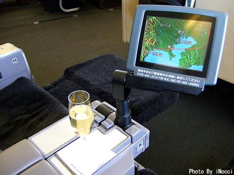 HKG029-Champagne1.jpg