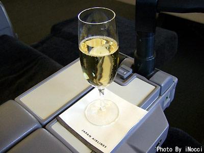 HKG030-Champagne2.jpg