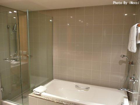 NZL155-Bath2.jpg