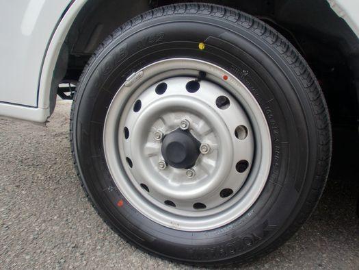 ラディウィズ タイヤ交換完了