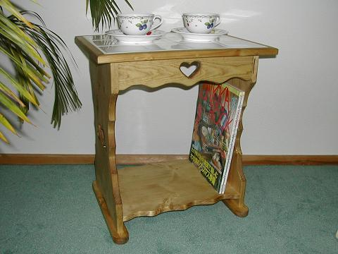 タイル付きテーブル