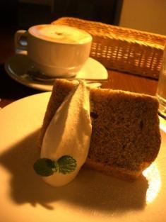 紅茶シフォンと蜂蜜のカプチーノ