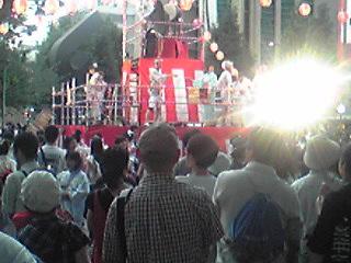 にゅー盆踊り・平口広美の背中