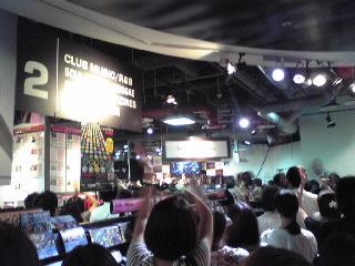 HMV渋谷・2階ライブ