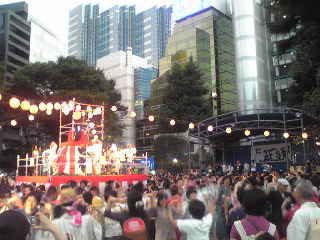 にゅー盆踊り・踊る2