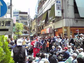 遠峰あこ・大道芸09