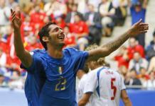 チェコ戦、先制のゴールを決め喜ぶイタリアのマテラッツィ