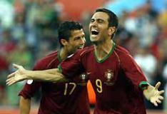 先制点を挙げ、喜ぶポルトガルのパウレタ