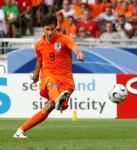 オランダ2点目のゴールを決めるファンニステルロイ
