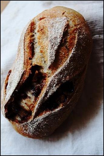 くるみパン。(杏酵母)