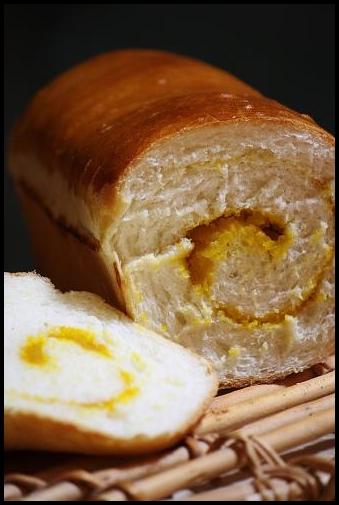 かぼちゃの渦巻ミニ食パン