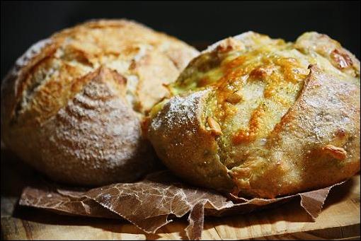 ノーマル&バジル・チーズ。(杏酵母)