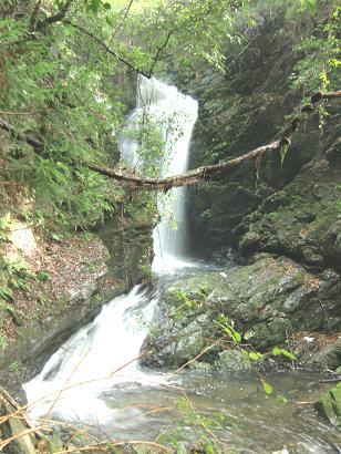 雨乞い滝2