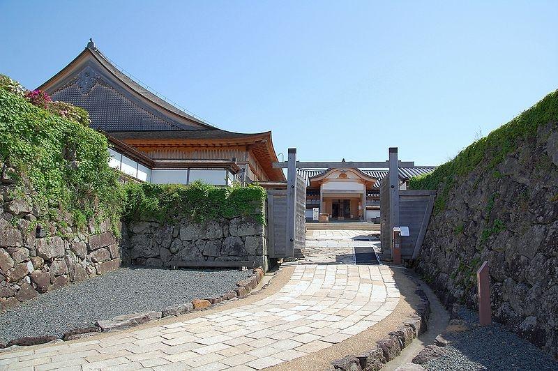 東京港区の青山は丹波(たんば)篠山(ささやま)藩主・青山宋家の江戸屋敷のあった場所です。