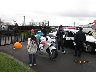 こいのぼりフェスティバル 子供とバイク