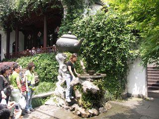 虎ホウ泉の水汲み場