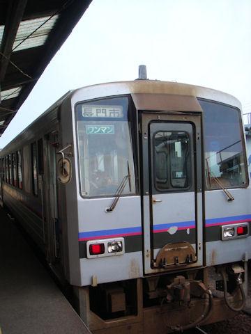 長門市行き普通電車