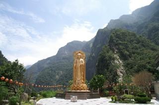 天祥の仏像